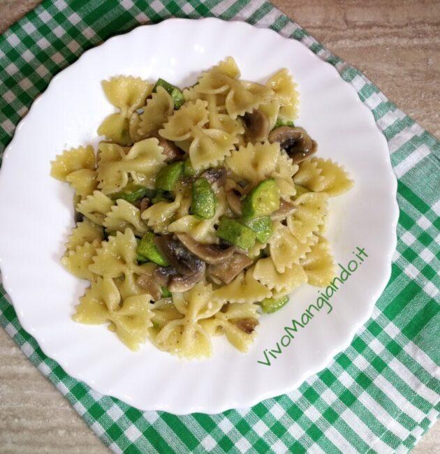 pasta con funghi e zucchine