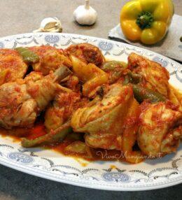 Pollo ai peperoni, un piatto ricco e facile