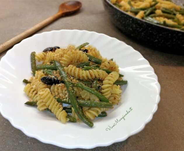 Pasta con fagiolini e olive