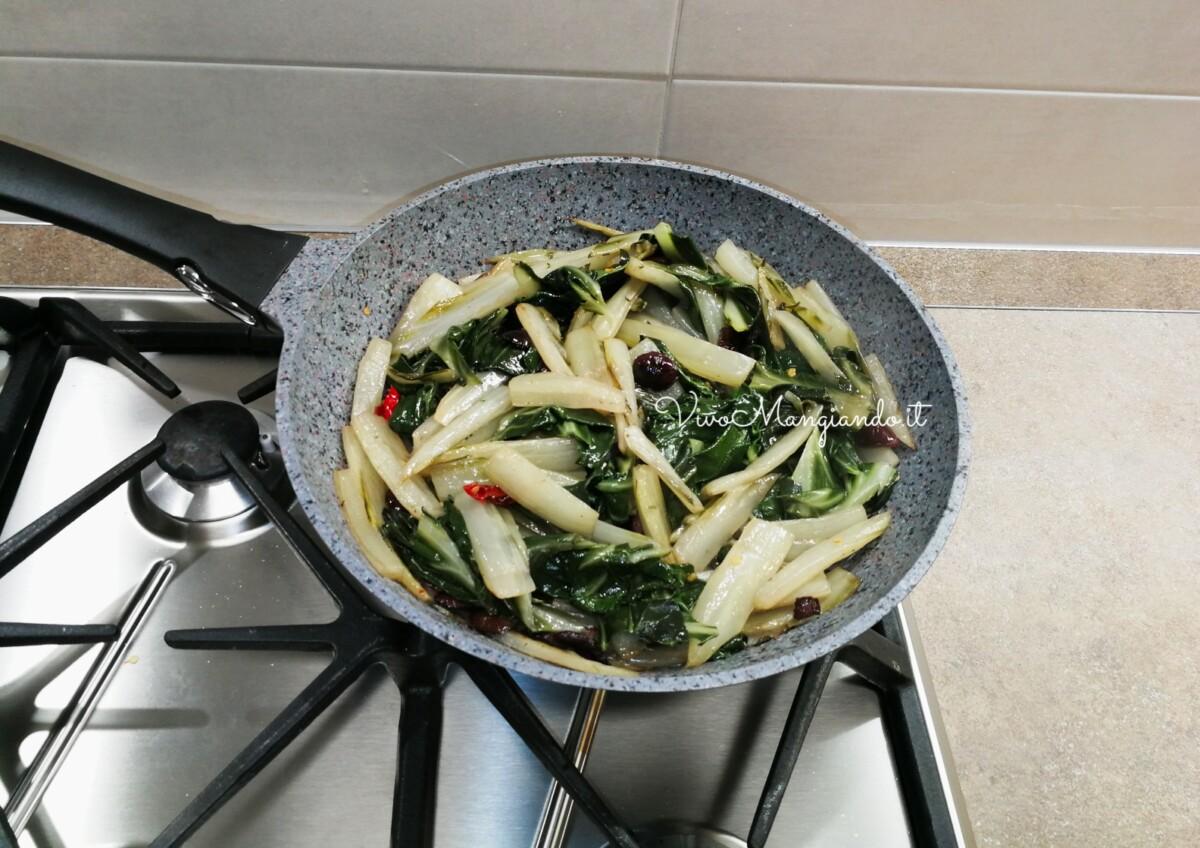 bietole in padella con olive