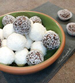 Palline cocco e ricotta, dolci pronti in 10 minuti