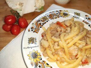 pasta con salsiccia e cavolfiore