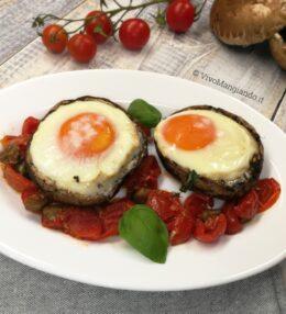 Funghi Portobello ripieni di uova