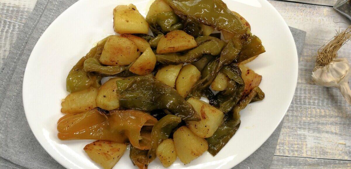 friggitelli e patate in padella