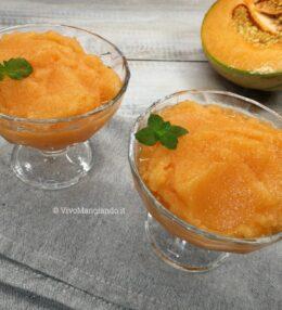 Granita di melone, cremosissima e delicata