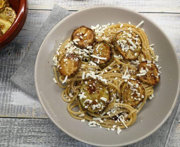 pasta con zucchine fritte alla siciliana