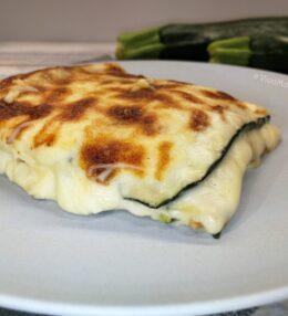 Parmigiana di zucchine bianca, versione vegetariana
